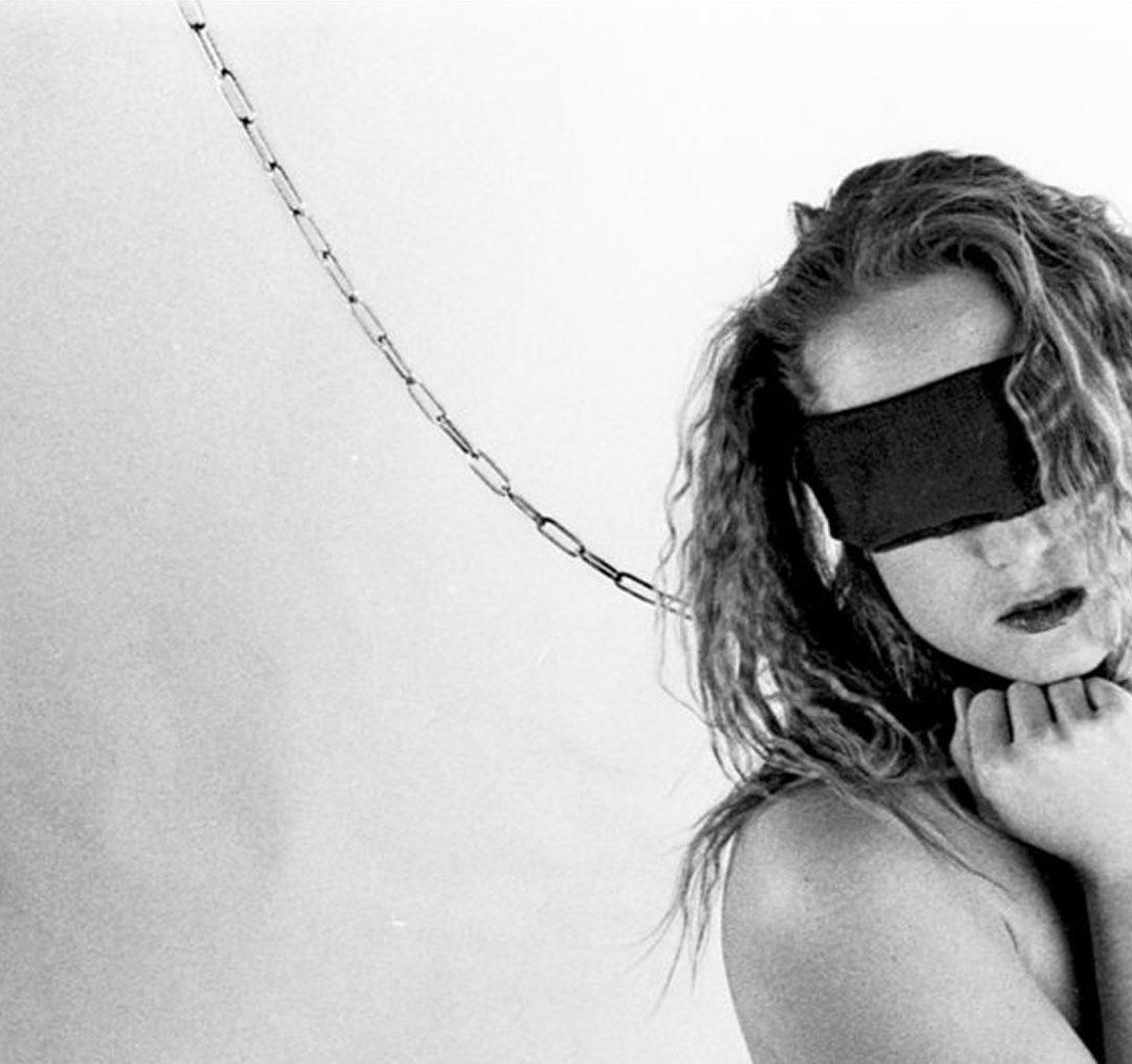 La fotografia BDSM di Brutalhawk in mostra al Sadistique di ottobre